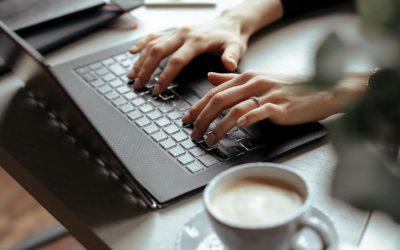 Deseja trabalhar de casa, mas não tem um espaço adequado? As divisórias podem ajudá-lo a demarcar seu espaço!